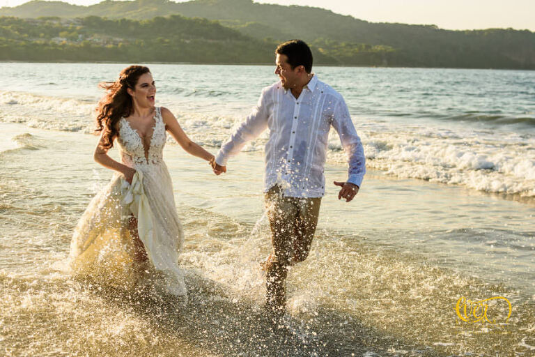 What is Trash the dress in Sayulita